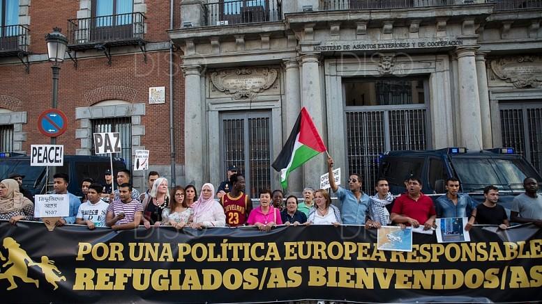 Más de 7000 manifestantes dan la bienvenida a los refugiados sirios que llegarán a territorio español (DISO Press)